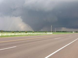 The 2013 Oklahoma City tornado as it passed through south Oklahoma City (via Wikimedia)
