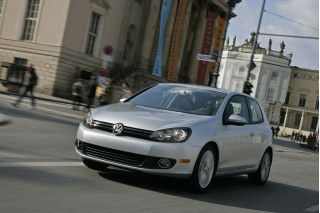 2010 Volkswagen Golf Photo